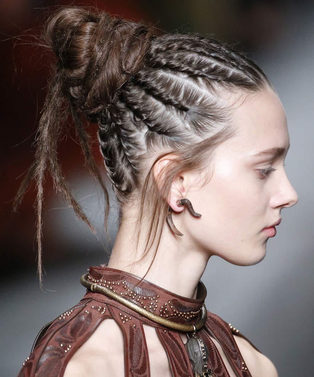 Peinados con trenzas tribales