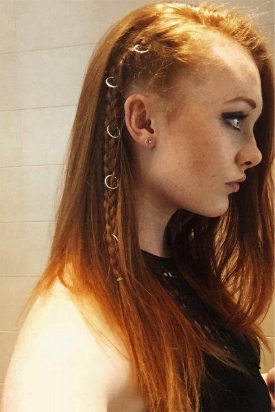 Piercings en el pelo trenza