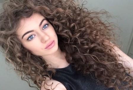 cuidar el pelo rizado